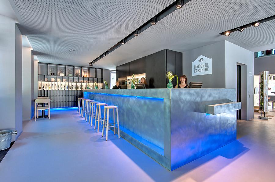 1_maison de l'absinthe-bar-1